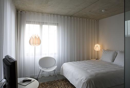 Banks - Antwerp - Bedroom