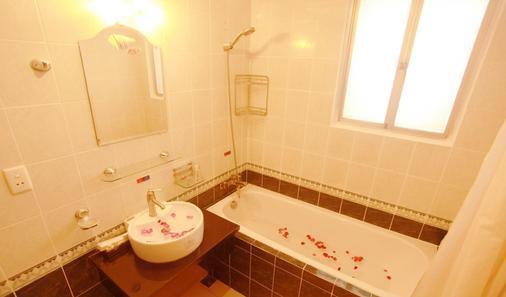 Eden Garden II Hotel - Ho Chi Minh City - Bathroom