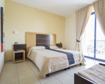 Ticho's Hotel - Castellaneta - Bedroom