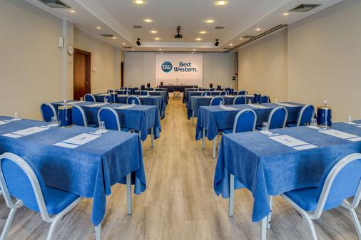 Best Western Hotel Turismo - San Martino Buon Albergo - Phòng họp