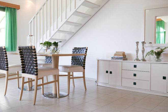 Govino Bay - Corfu - Dining room