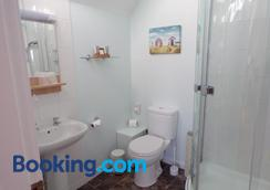 Shaftesbury Lodge - Adults Only - Dundee - Bathroom