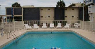 The Virginian Motel - Myrtle Beach - Pool