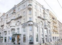 Jump Inn Hotel Belgrade - Belgrad - Gebäude