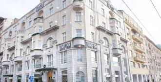 Jump Inn Hotel Belgrade - Belgrado - Edifício