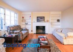 Town Plot Waterbury - Waterbury - Living room