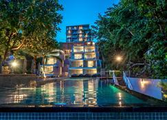 Centara Q Resort Rayong - Muang Klaeng - Pool