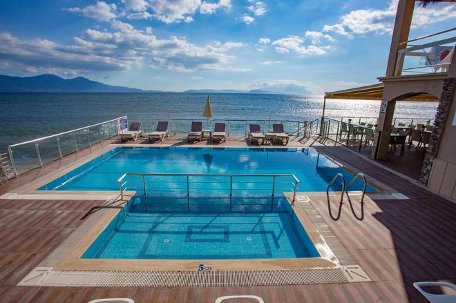 Melis Otel - Kuşadası - Pool