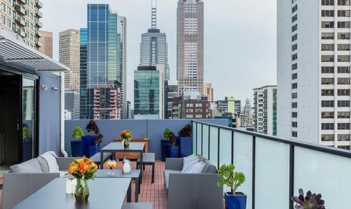Fraser Place Melbourne - Melbourne - Balcony