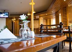 Happy Days Hotel - Manama - Restaurang