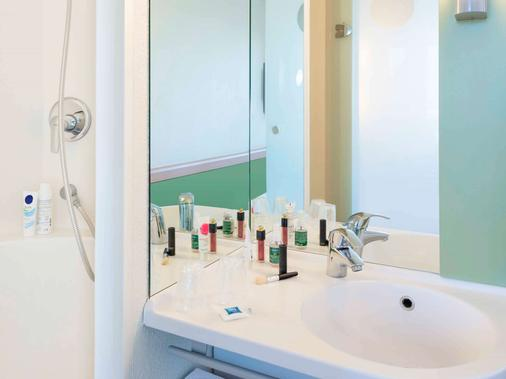 ibis budget Roissy-CDG Paris Nord 2 - Roissy-en-France - Bathroom