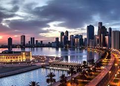 Copthorne Hotel Sharjah - Sharjah - Vista del exterior