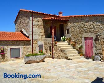 Carya Tallaya - Casas de Campo - Sabugal - Building