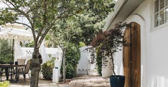 Cottage Inn & Spa - Sonoma - Outdoors view