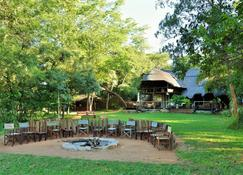 Ivory Lodge - Hwange - Patio