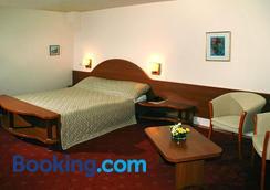 Hotel Irisa - Bucharest - Bedroom