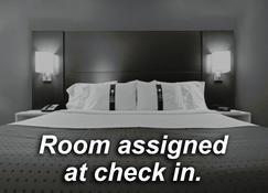 Holiday Inn Express Wenatchee - Wenatchee - Bedroom