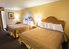 Quality Inn - Stuart - Bedroom