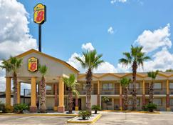 Super 8 by Wyndham Breaux Bridge - Breaux Bridge - Building