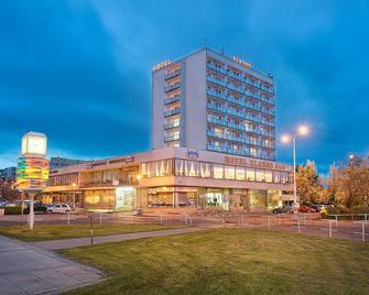 Hotel Kladno - Kladno - Gebäude