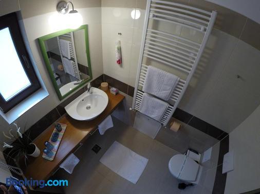 Alfinio Villa - Sinaia - Bathroom