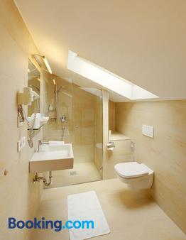 Hotel Laurin - Lagundo - Bathroom