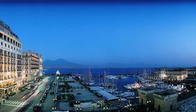 Grand Hotel Vesuvio - Napoli - Vista esterna