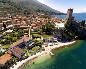 Hotel Castello Lake Front - Malcesine - Outdoors view