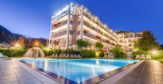 Ambassador Suite Hotel - Riva del Garda - Pool