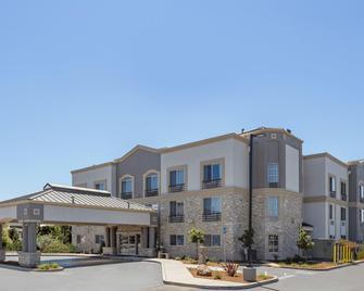 Holiday Inn Express Hotel & Suites San Jose-Morgan Hill - Morgan Hill - Building