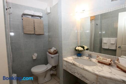 Northshore Aparthotel On The Beach - Cedar Grove - Bathroom