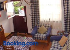 Apartamentos Turisticos Verdemar - Horta - Living room