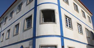 Blue Buddha Surf Hostel - Ericeira - Building
