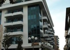 Aparthotel Lacroma - Grado - Building