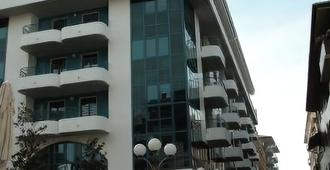 Aparthotel Lacroma - Grado - Edificio