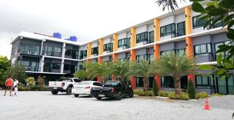 Sor Kor Sor Resort - Sattahip - Building