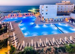 Vuni Palace Hotel - Kyrenia - Zwembad
