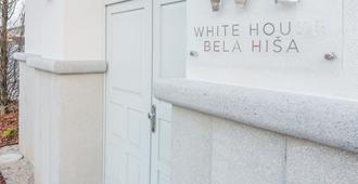 White House Bela Hisa - Ljubljana