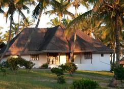 Blue Moon Beach Holiday Resort - Inhambane - Gebäude