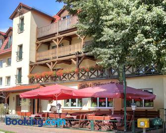 Hotel am Liepnitzsee - Вандліц - Building