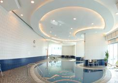 Tamani Marina Hotel and Hotel Apartments - Dubai - Pool
