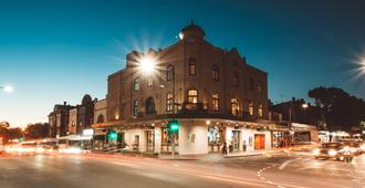Crown Hotel Surry Hills - Sydney