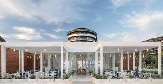 Voyage Belek Golf & Spa - Belek - Building