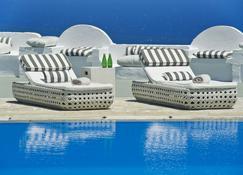 سانتوريني بالاس - فيرا - حوض السباحة