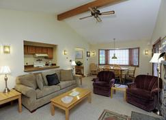Townhomes At Bretton Woods - Carroll - Living room