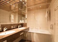 Hotel Steffani - St. Moritz - Bathroom