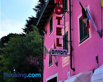 Nuovo Hotel Giardini - Bra - Gebouw
