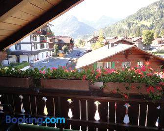 Hotel garni Alpenruh - Lenk - Gebäude