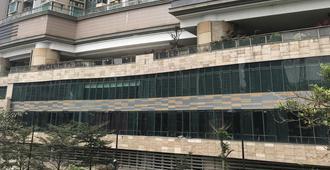 G.Eyre Home - Hong Kong