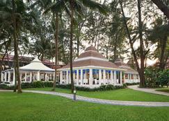 Dusit Thani Laguna Phuket - Bãi biển Bang Tao - Toà nhà